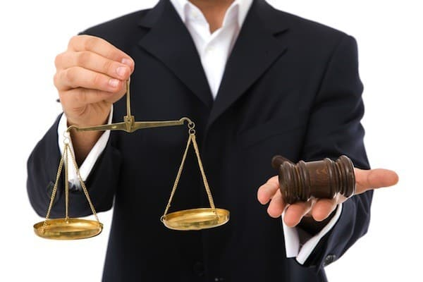 Адвокат (юрист) в арбитражном процессе